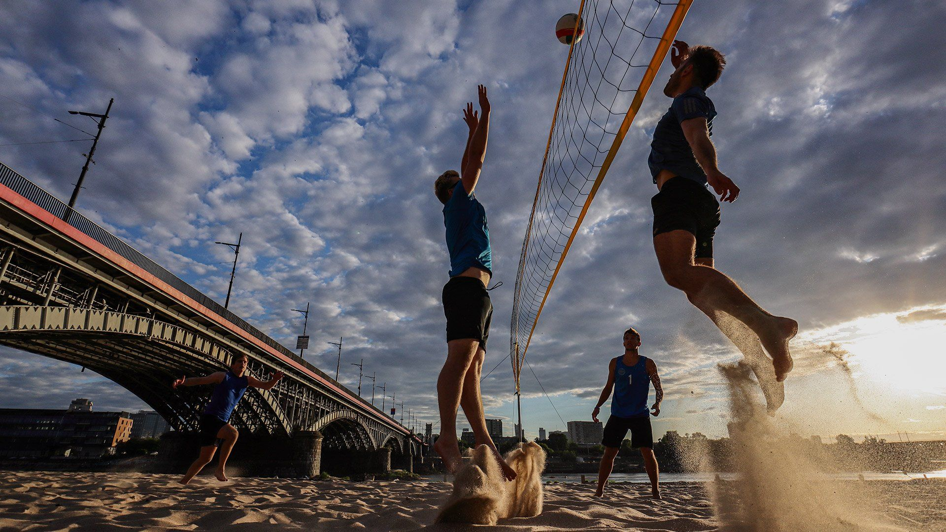EOS M6 Mark II sample beach volleyball action sunset